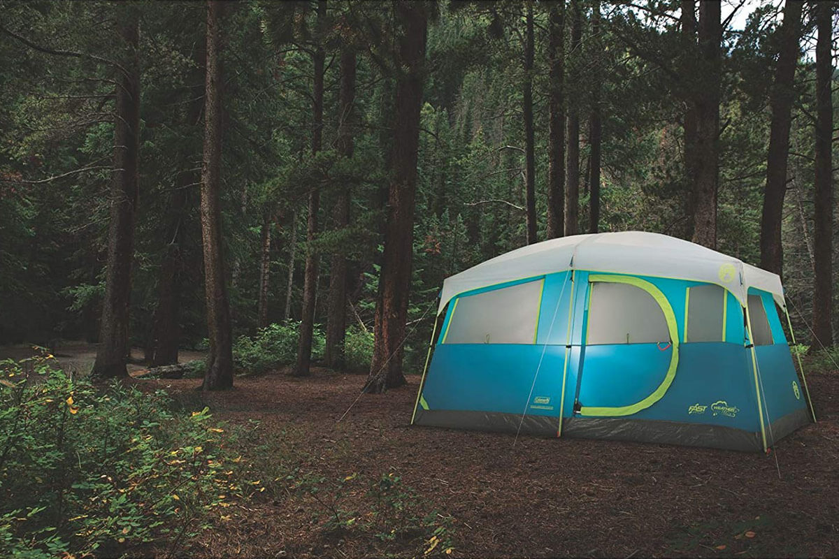 10 PERSON TENT WITH HINGED DOOR