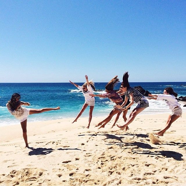 FUN THINGS TO DO AT THE BEACH WITH FRIENDS